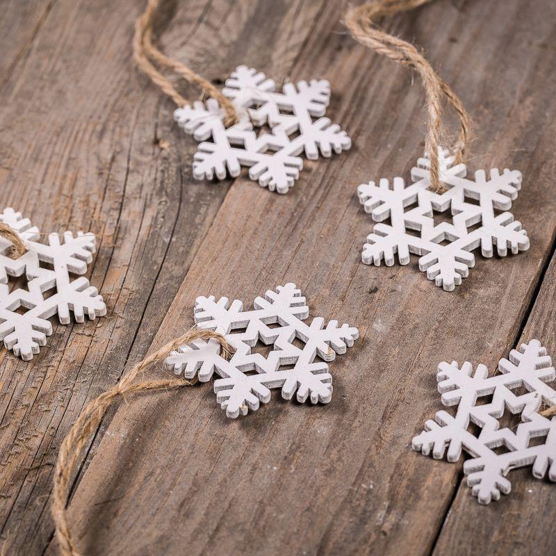 Bílé dekorativní hvězdičky - malá velikost 4,5 x 5,5 cm, 5 ks. v sadě