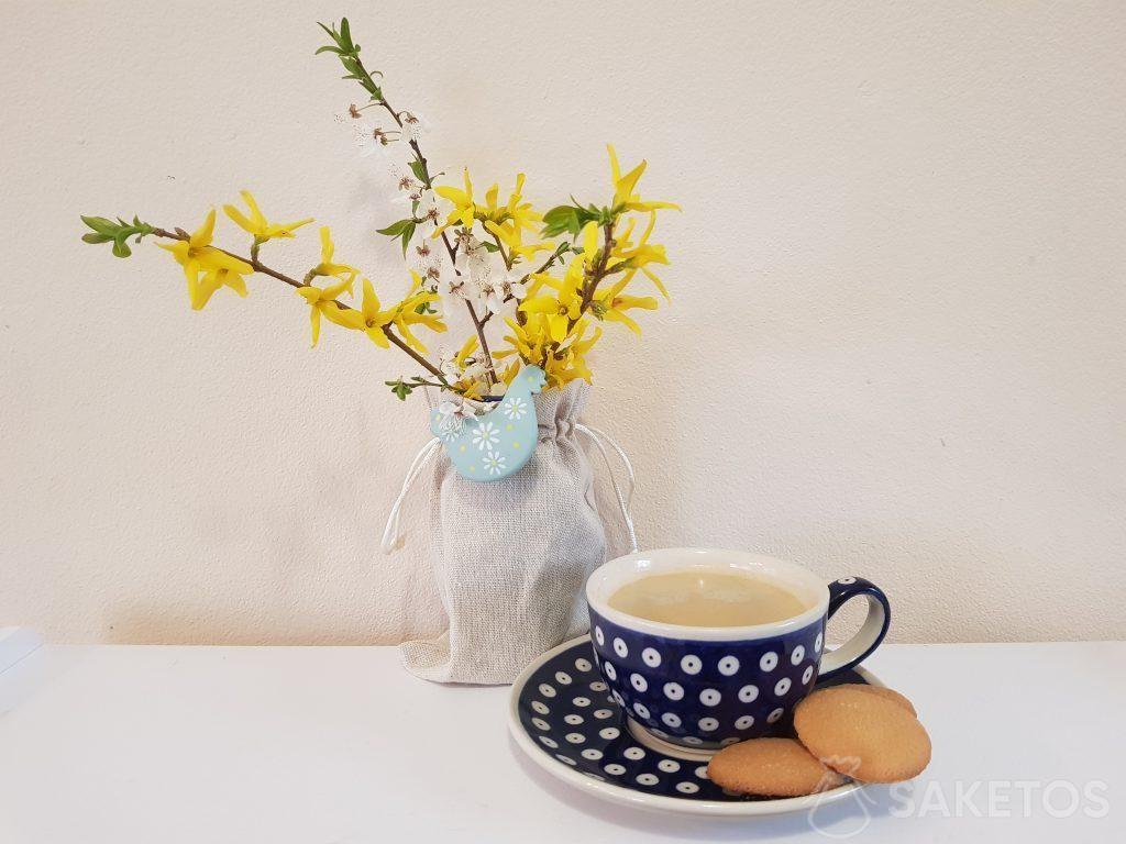 Materiálové sáčky vypadají skvěle jako pouzdra pro květináče a vázy.
