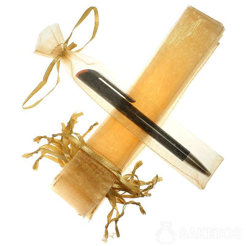Sáček na pěro ze zlaté organzy.