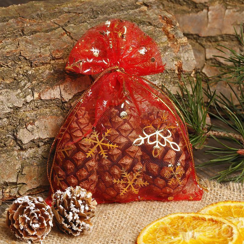 vánoční sáček z červené organzy