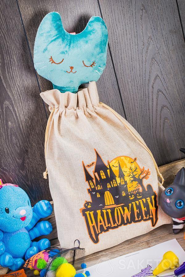 Dekorativní sáčky na Halloween lze použít jako originální dekorace do dětského pokoje.