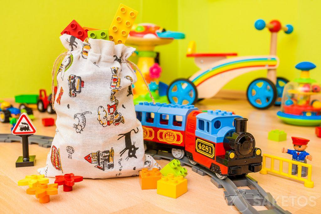 . Materiálové tašky jsou ideální pro skladování hraček a balení dětských dárků