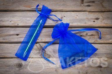 Modré sáčky z organzy jako obal pro reklamní doplňky