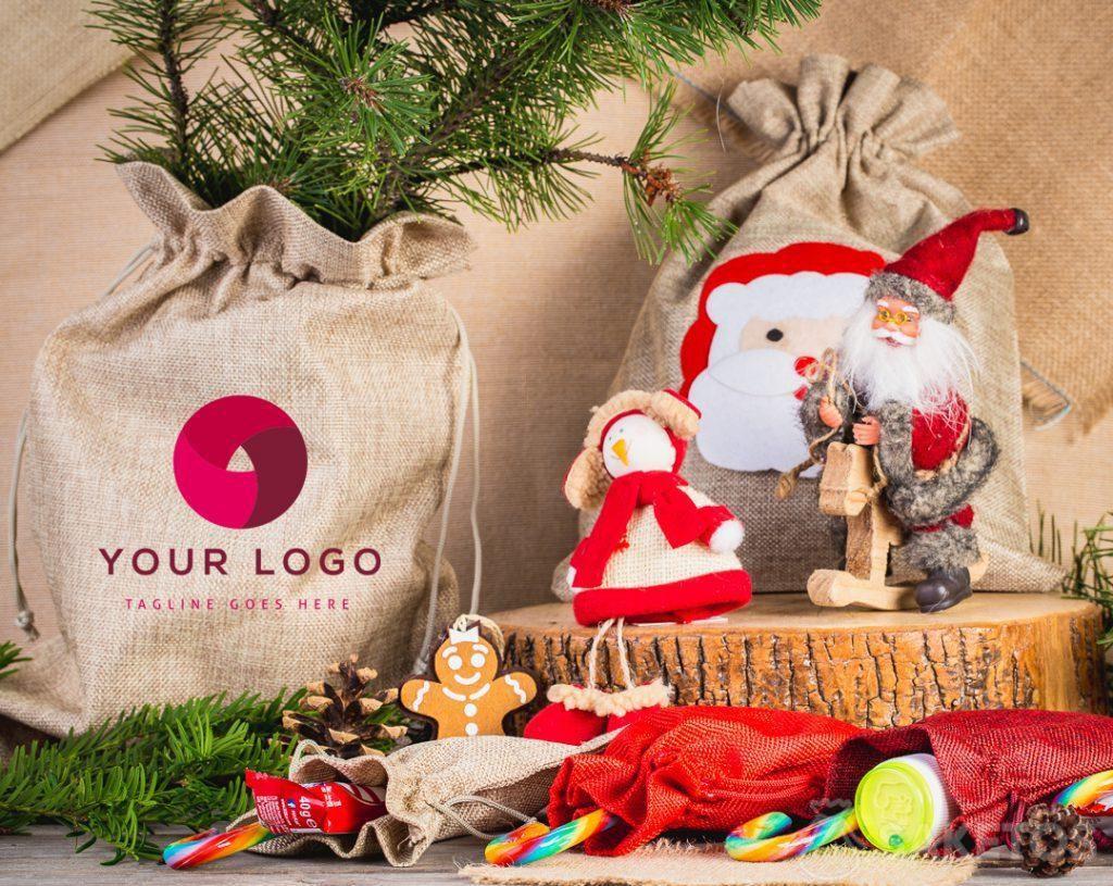 Látkové sáčky vypadají elegantně jako vánoční dárkový obal