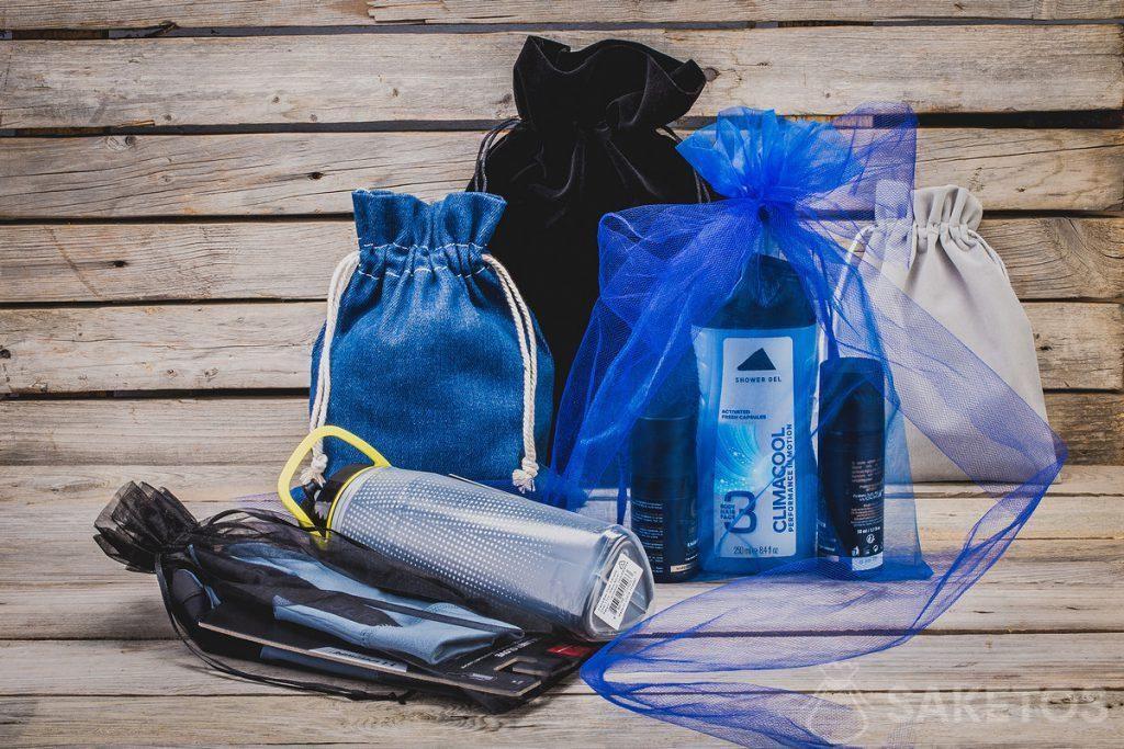 Kosmetika, sportovní potřeby - pánské dary ve stylových látkových taškách