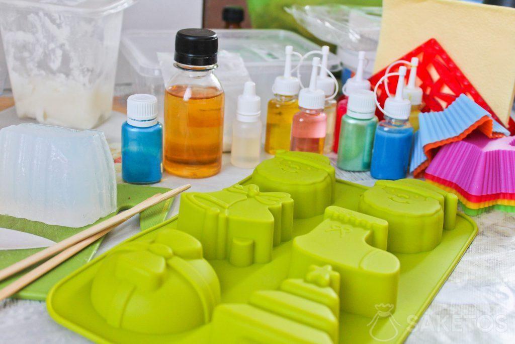 Domácí mýdla - jak je vyrobit s dítětem?