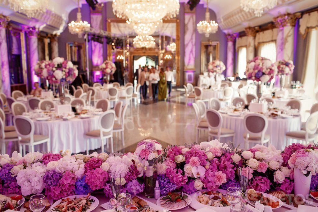 Barva motivu svatby - jak vyzdobit svatební síň?